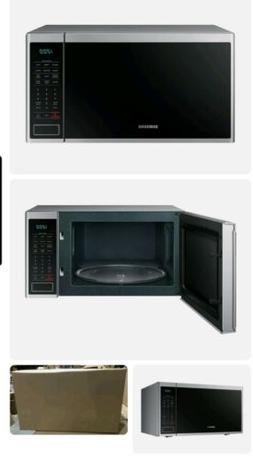 Samsung Countertop Microwave with Sensor Cooking 1.4 cu. ft.